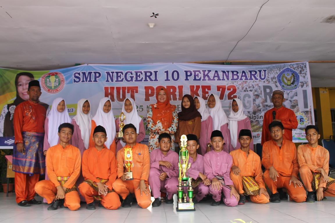 Juara I dan III putra/putri Tournament Volley SMK Keuangan Pekanbaru 2017