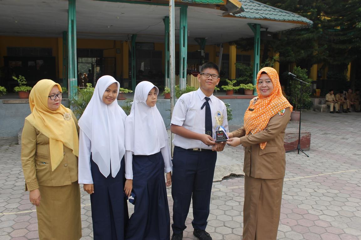 Juara III Lomba Cerdas Cermat Olimpiade Ekonomi se-Riau 2018